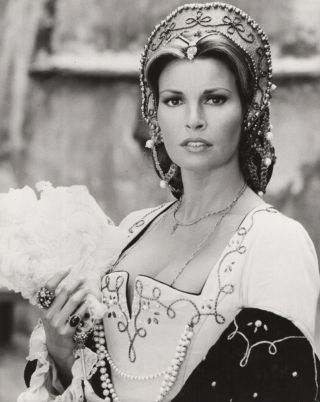 The Prince and the Pauper / Crossed Swords. Official film still. Raquel WELCH, Mark, TWAIN,...