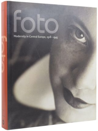 Foto: Modernity in Central Europe, 1918-1945. Matthew S. WITKOVSKY, Peter DEMETZ, introduction