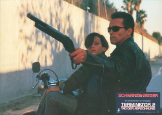 Terminator 2: Tag der Abrechnung [LOBBY CARDS]. [Judgement Day]. James CAMERON, director and...